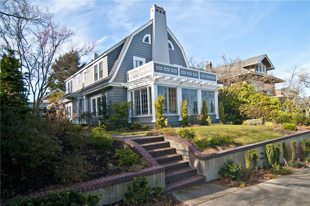 Modern home tour saturday last chance to win urbnlivn for Dutch colonial house for sale