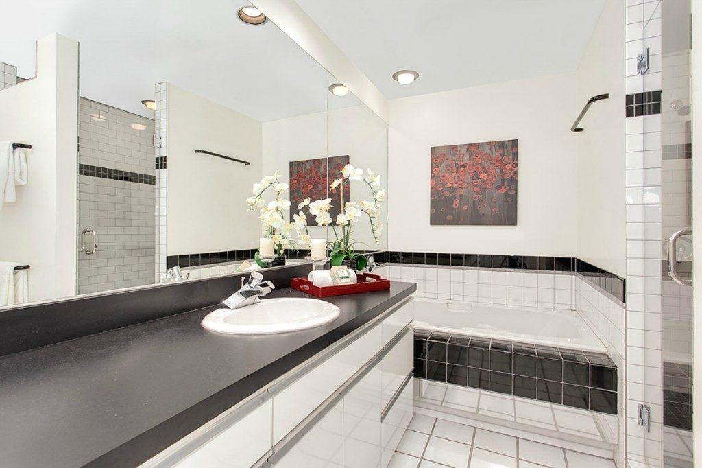 1210 Lakeview Blvd E unit 303 - bath