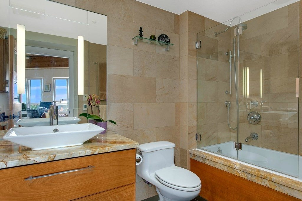 1408 12th Ave _406 - bath