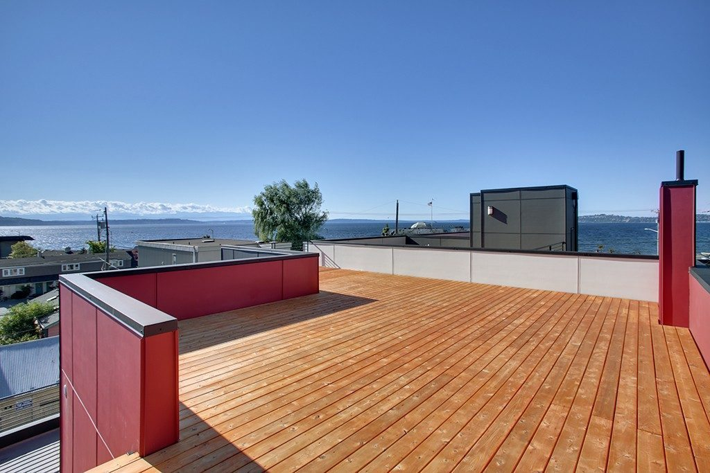 2420 Wickstrom Pl SW - rooftop deck