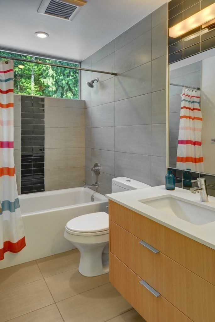 2452 55th Ave SW - 2nd bath