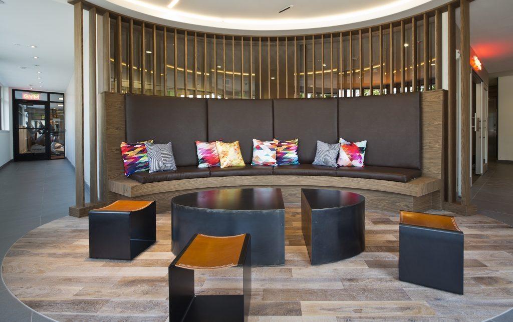 (4) Ray's Lobby