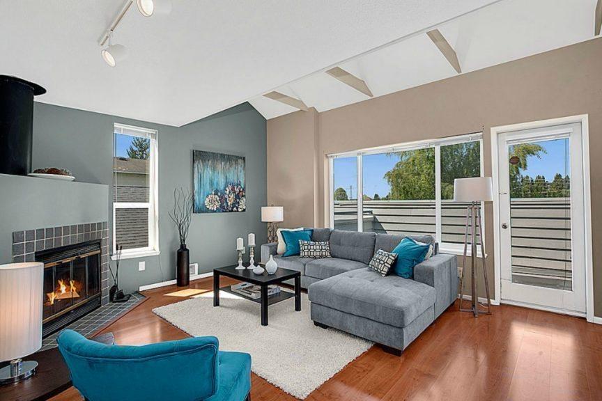 57 Etruria St  unit 301 - living room