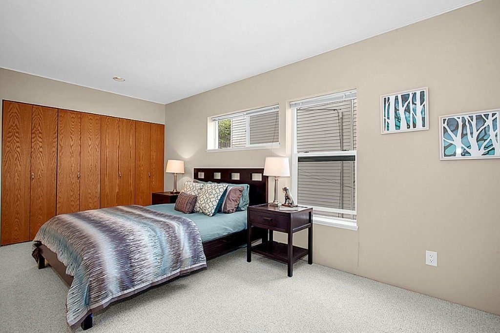 57 Etruria St  unit 301 - mstr bed