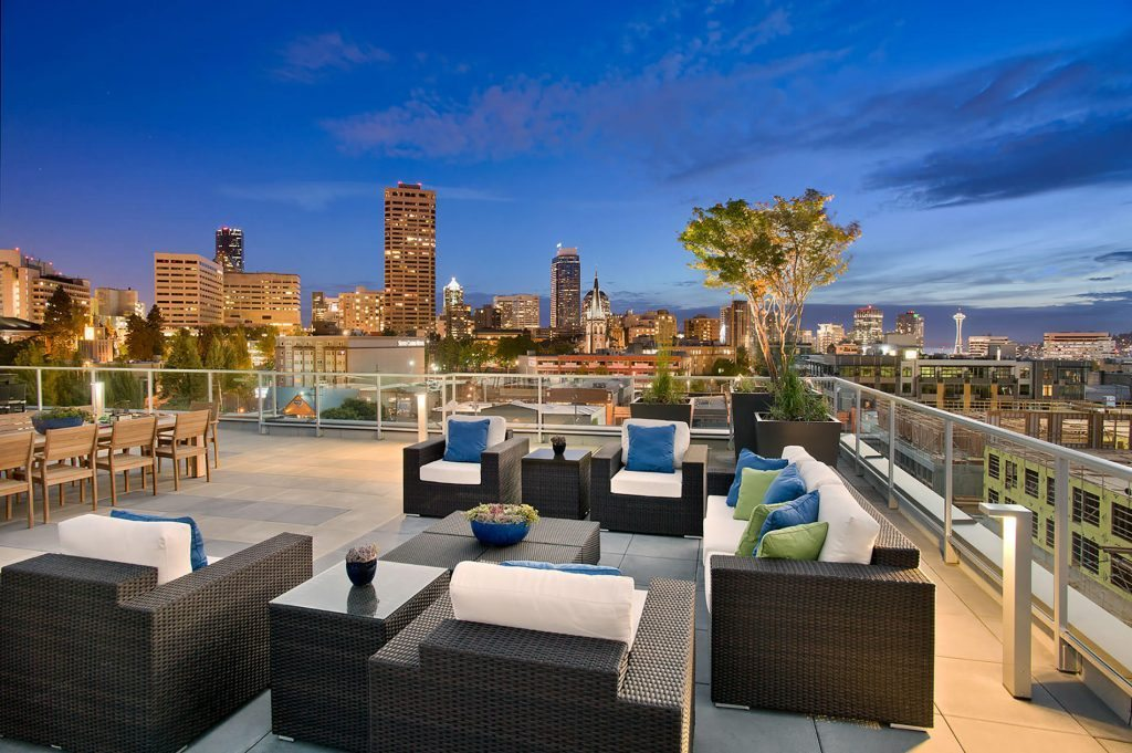 Broadstone Infinity on CH - rooftop deck