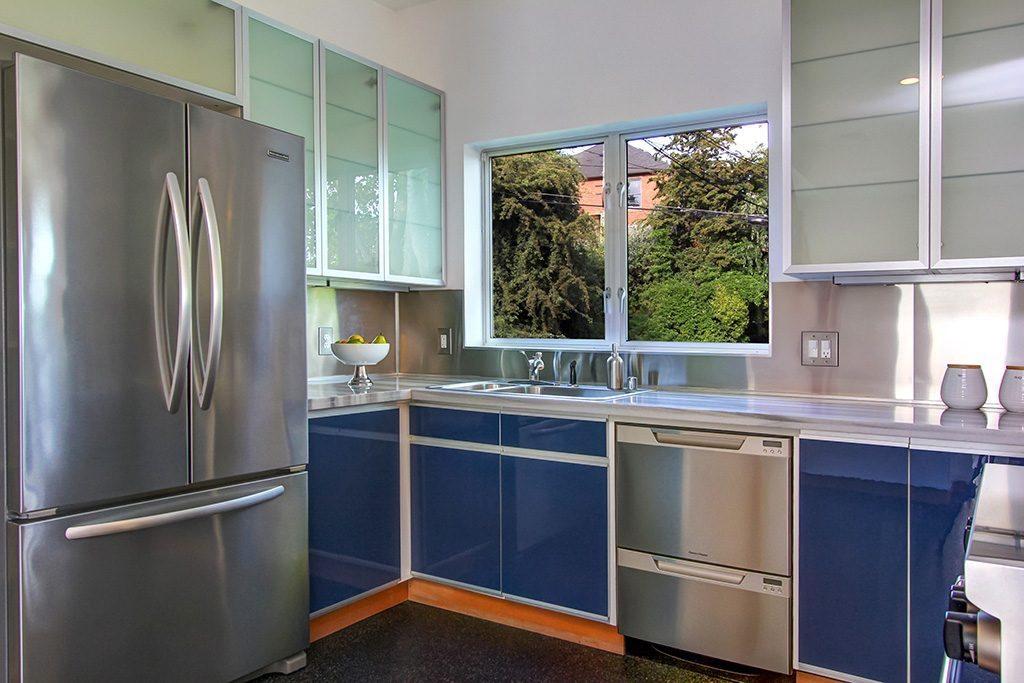 103 Newell St - kitchen