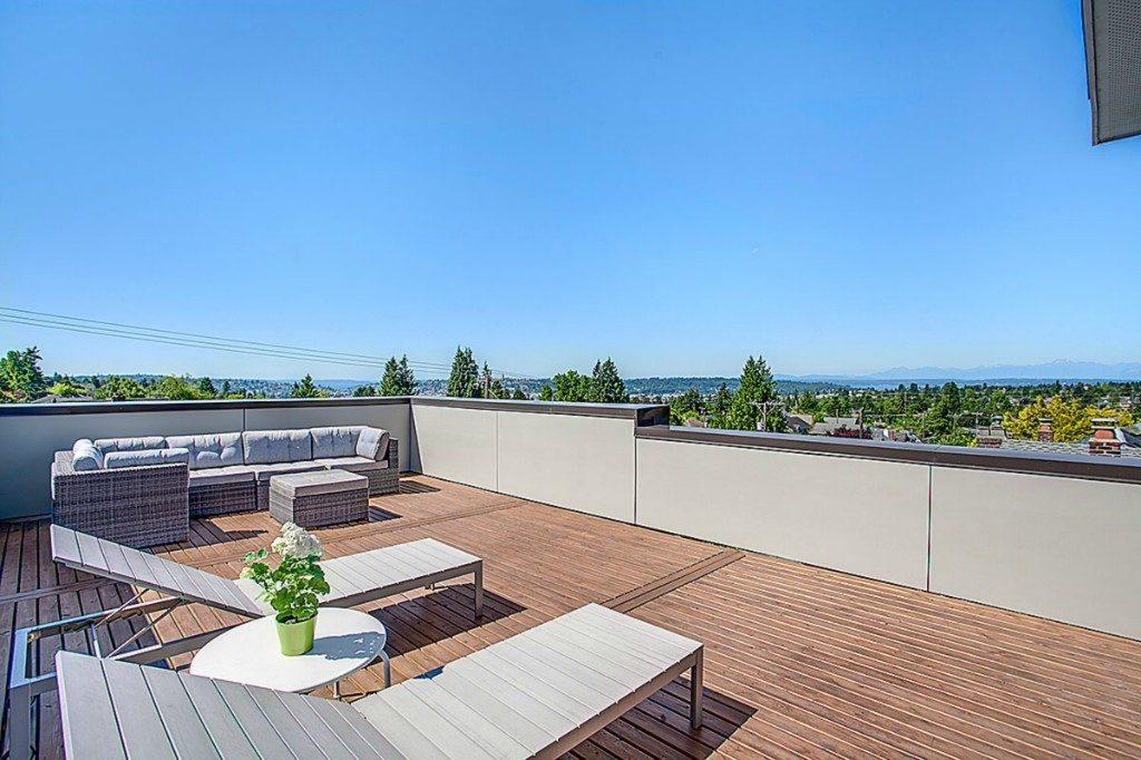 120 N 73rd St - rooftop deck