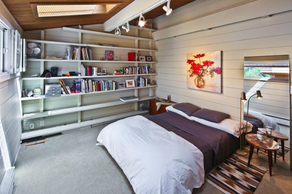 1214 Hamlin St #9 - bed 1