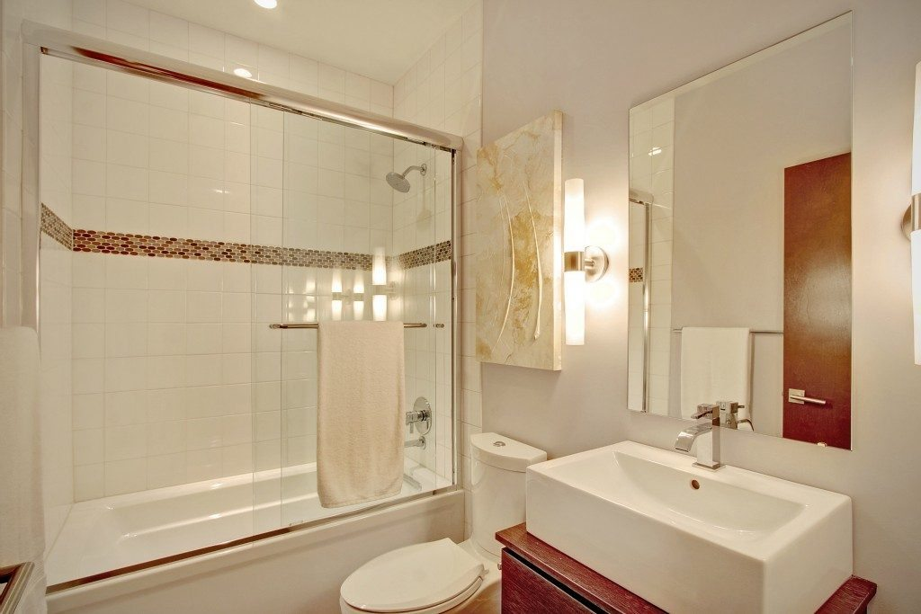 1517 E Denny Way #5 - bath 2