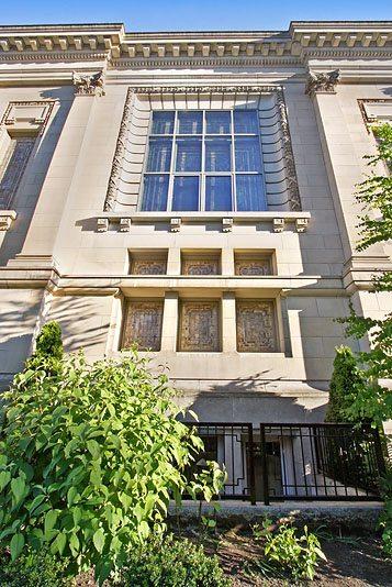 1517 E Denny Way #5 - facade unit