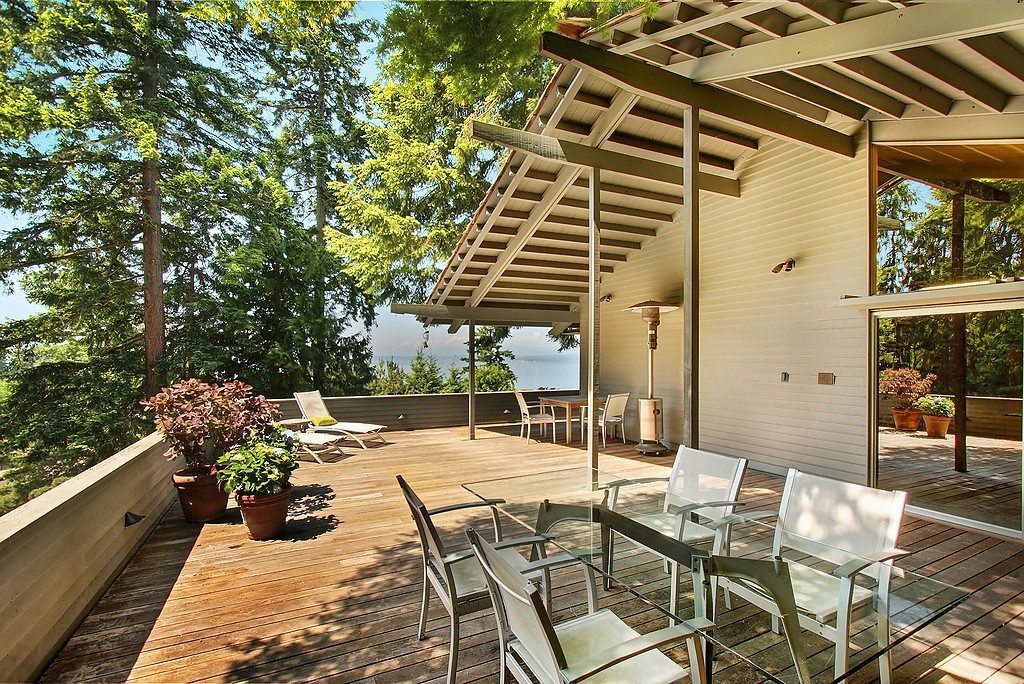 16720 15th Ave NW - deck