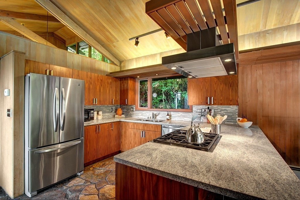 16720 15th Ave NW - kitchen