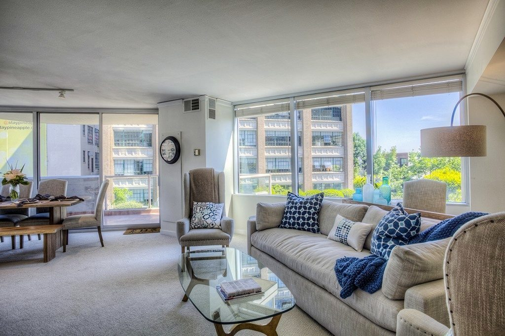 2000 1st Ave #604 - live