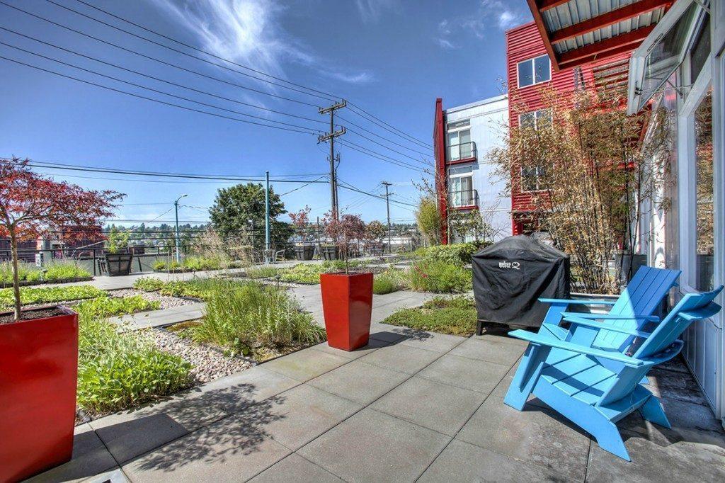 2960 Eastlake Ave E - patio 3