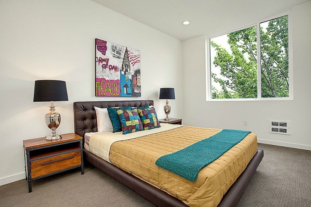 465 14th Ave - bed