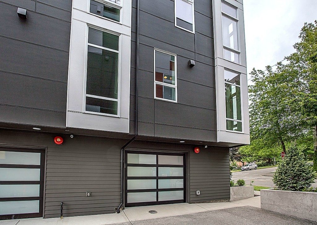 465 14th Ave - garage exterior