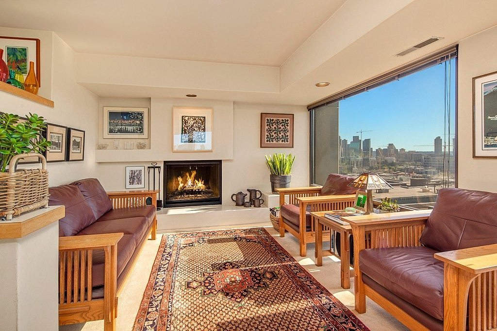 714 Bellevue Ave E #601 - fireplace