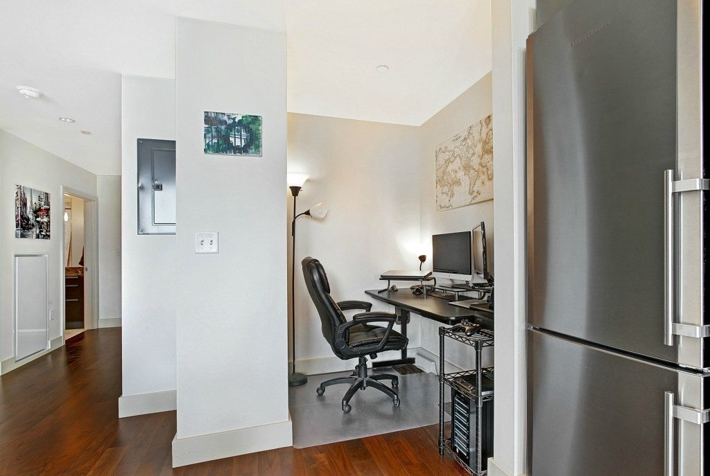 737 Olive Way #1809 - office