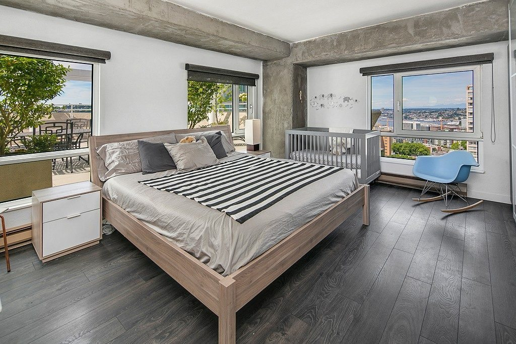 121 Vine St - 2506 - bed