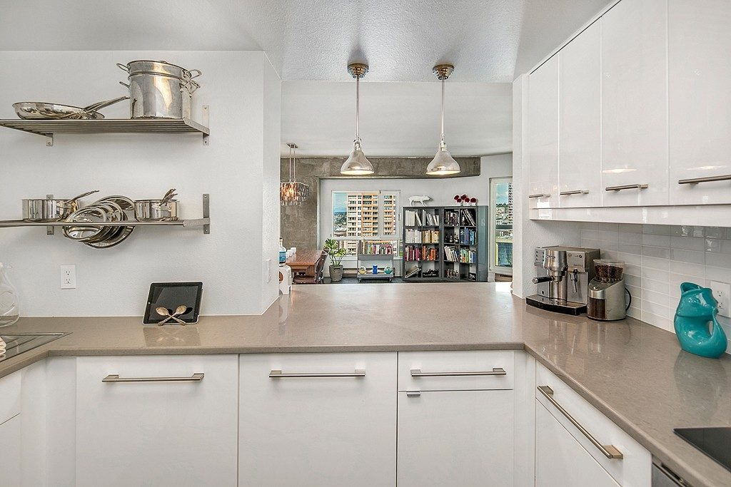 121 Vine St - 2506 - kitchen view