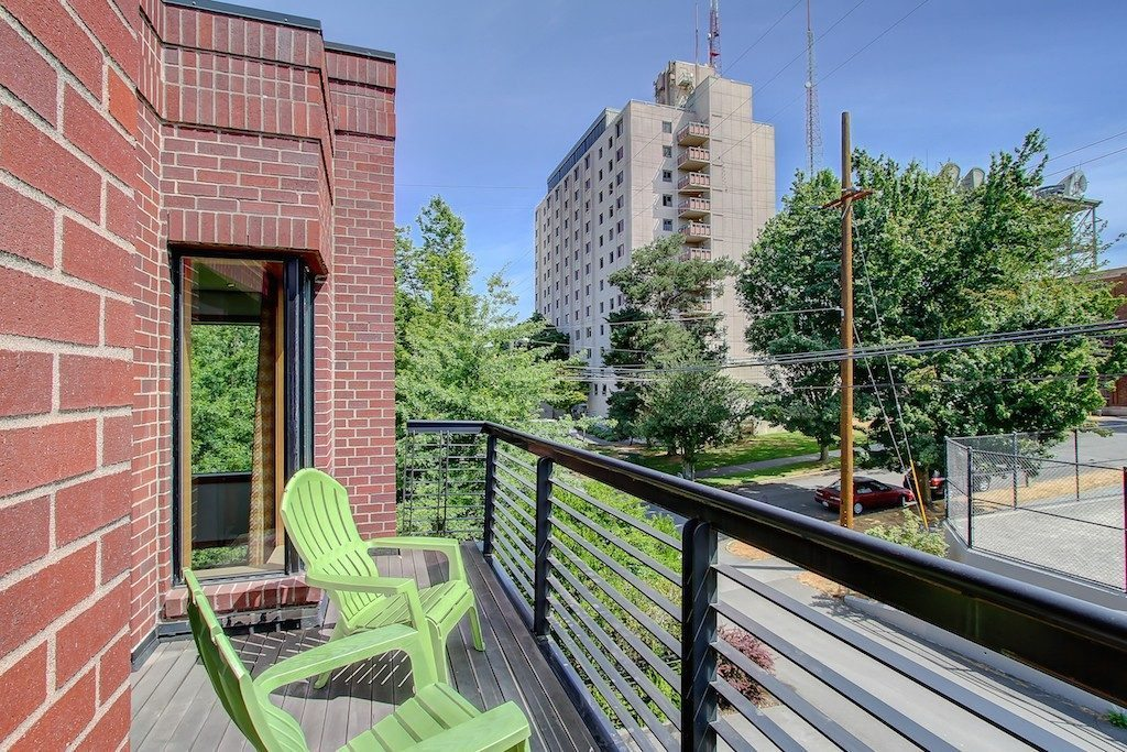 1605 E Pike St unit 203 - balcony up