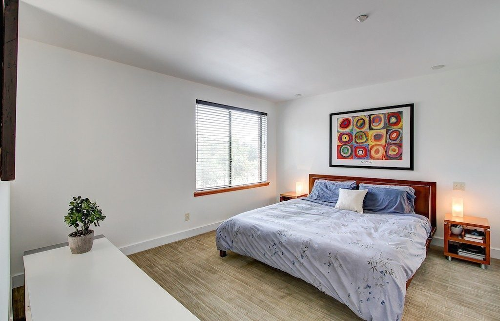 1605 E Pike St unit 203 - mstr bed