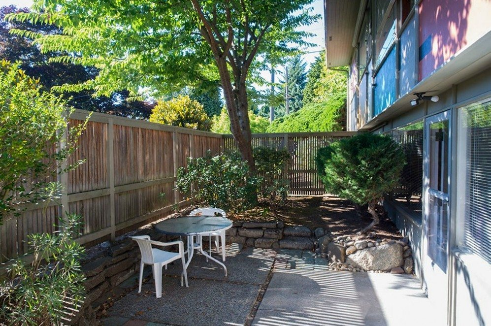 2803 NE 82nd St - patio off lower level =R