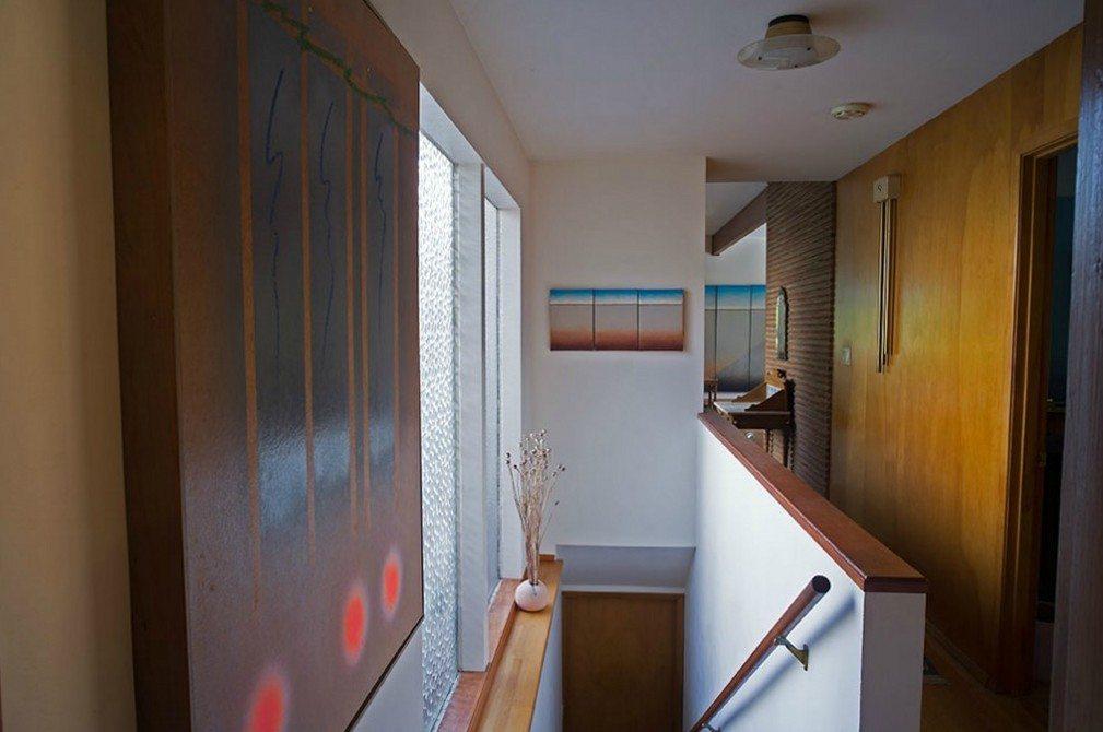 2803 NE 82nd St - stairs & hall =R