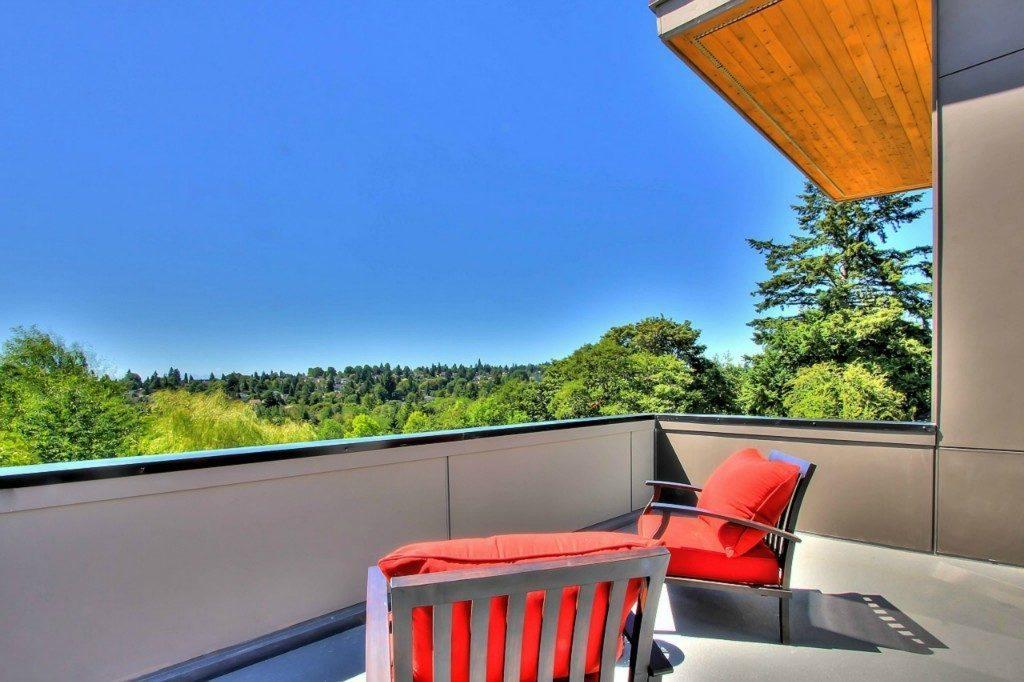 5126 45th Ave NE - deck view
