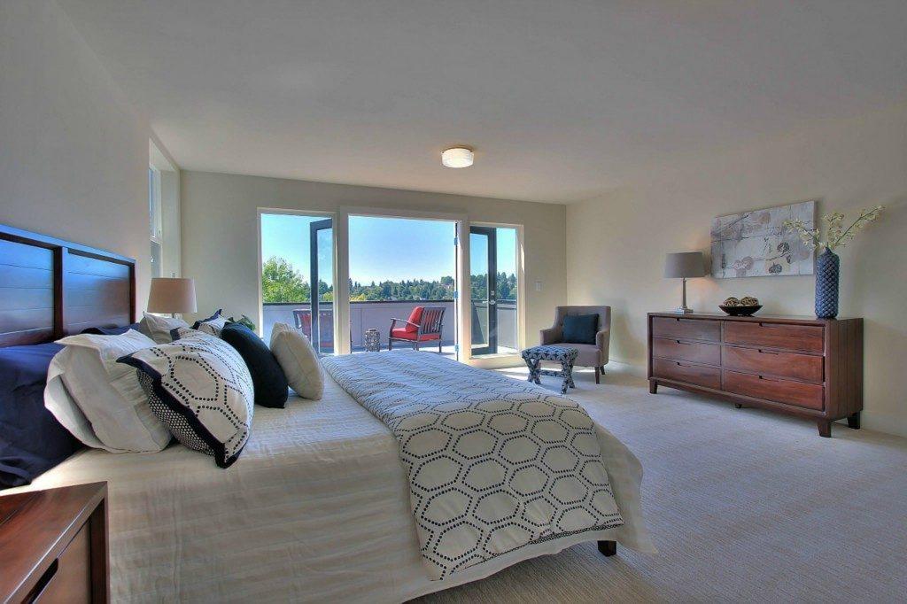 5126 45th Ave NE - mstr bed