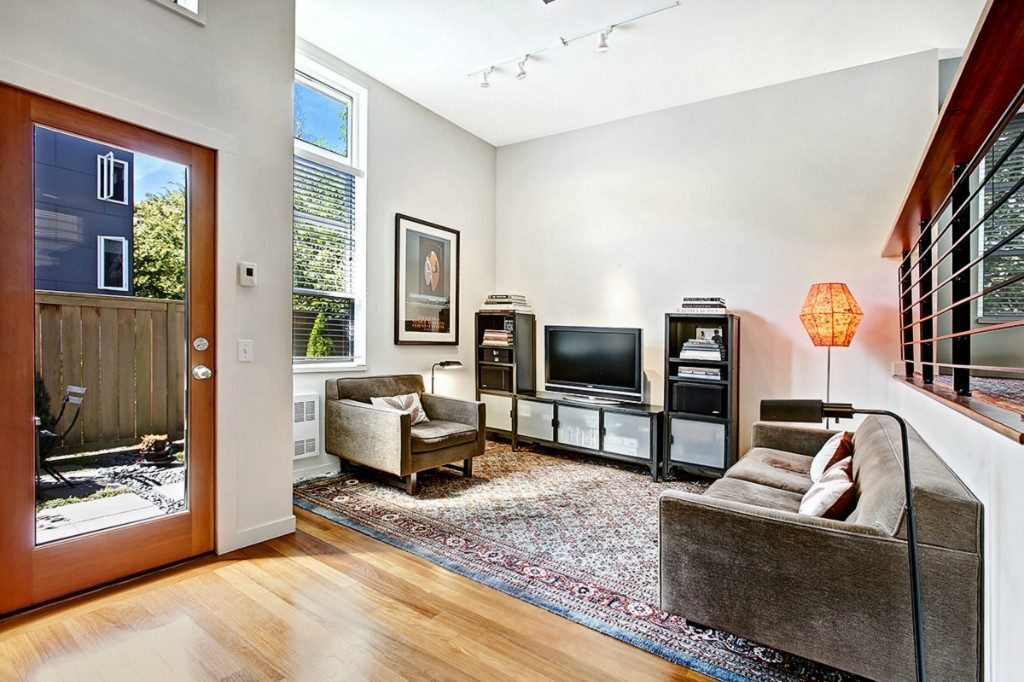 5926 California Ave SW unit C - living