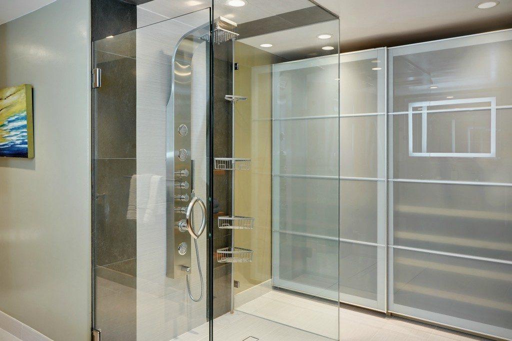 714 Bellevue Ave E unit 101 - mstr bath2