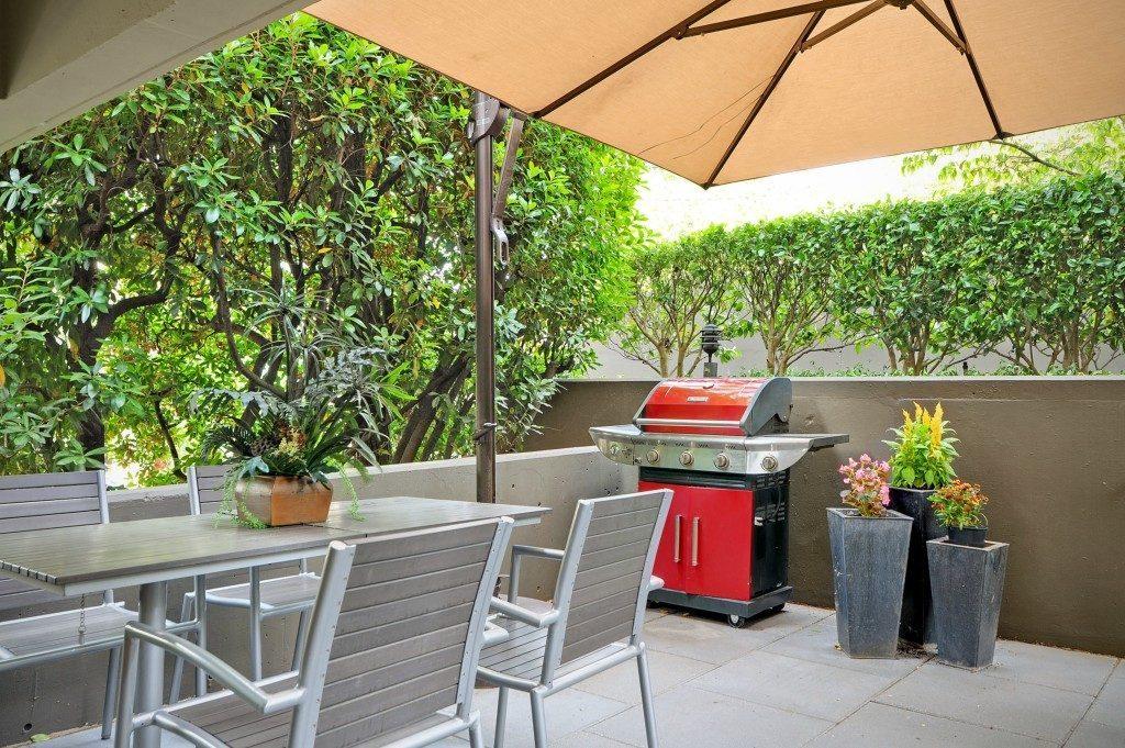 714 Bellevue Ave E unit 101 - patio lower section