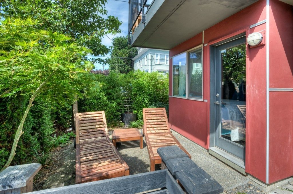 146 17th Ave - patio