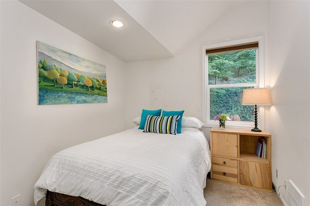 1501 Lake Washington Blvd unit 1505F - bed