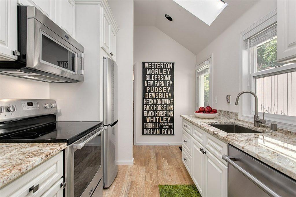 1501 Lake Washington Blvd unit 1505F - kitchen
