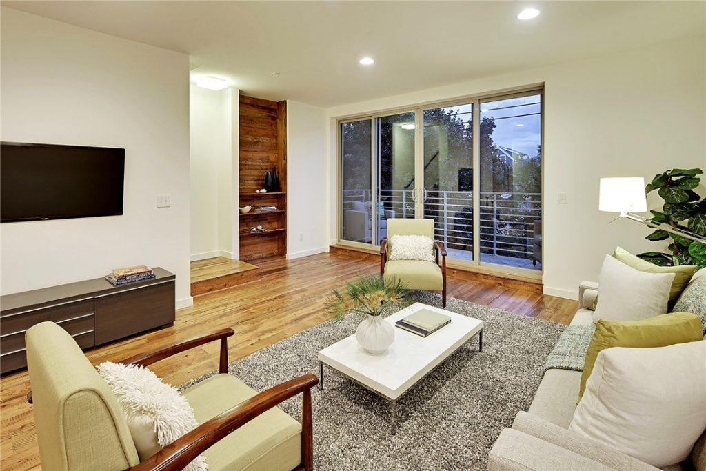 3239A California Ave SW - deck