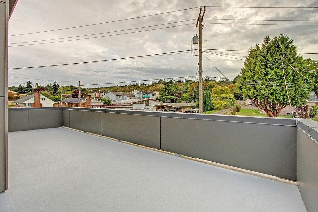 3824 Renton Ave S - deck
