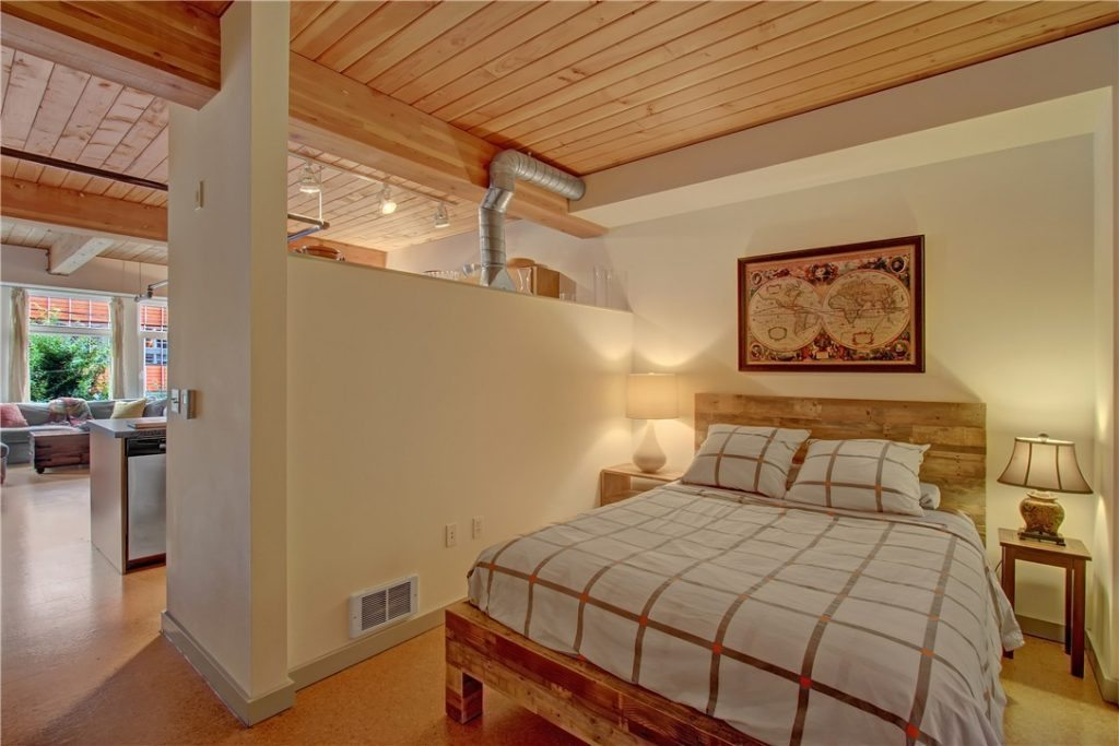 401 9th Ave N unit 209 - bed