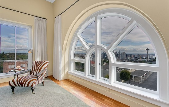 Queen Anne High Penthouse with Amazing Views