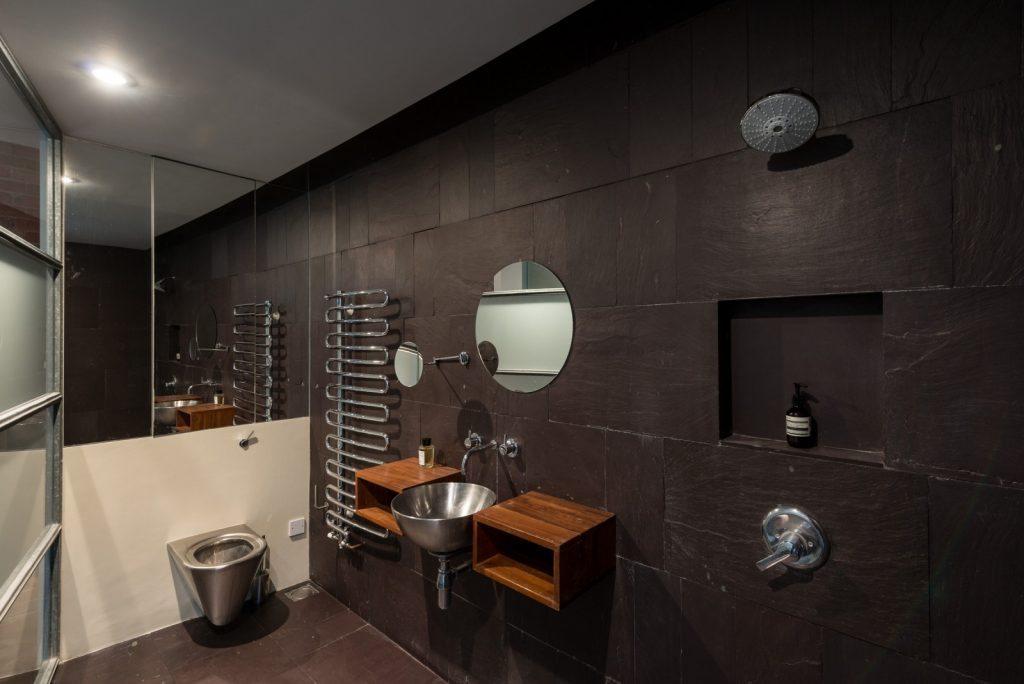 Loft - Nile St London - bath