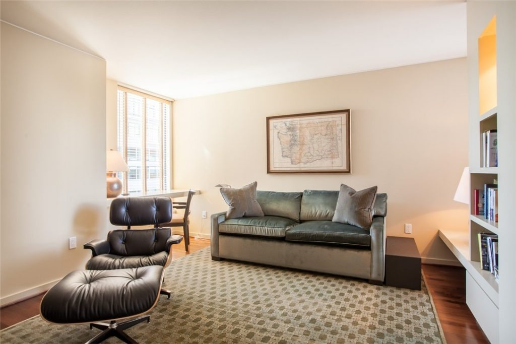 2100 1st Ave unit 1601 - bed2