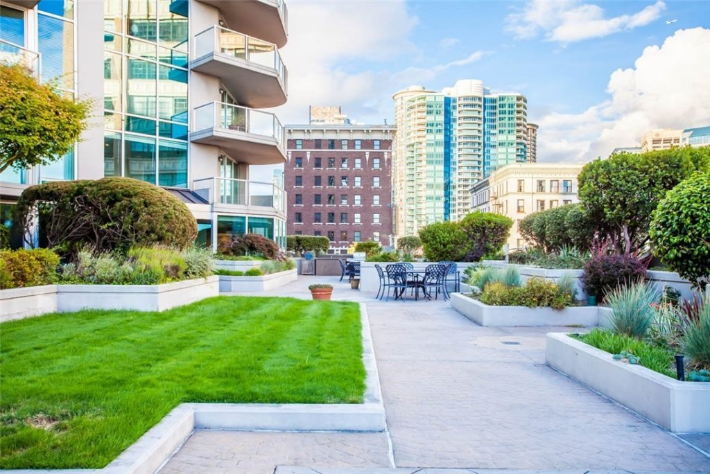 2100 1st Ave unit 1601 - terrace