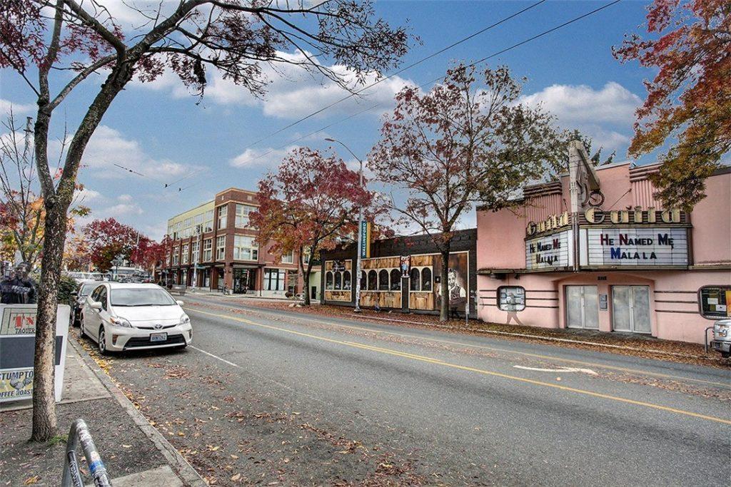 4422 Bagley Ave N unit 304 - street