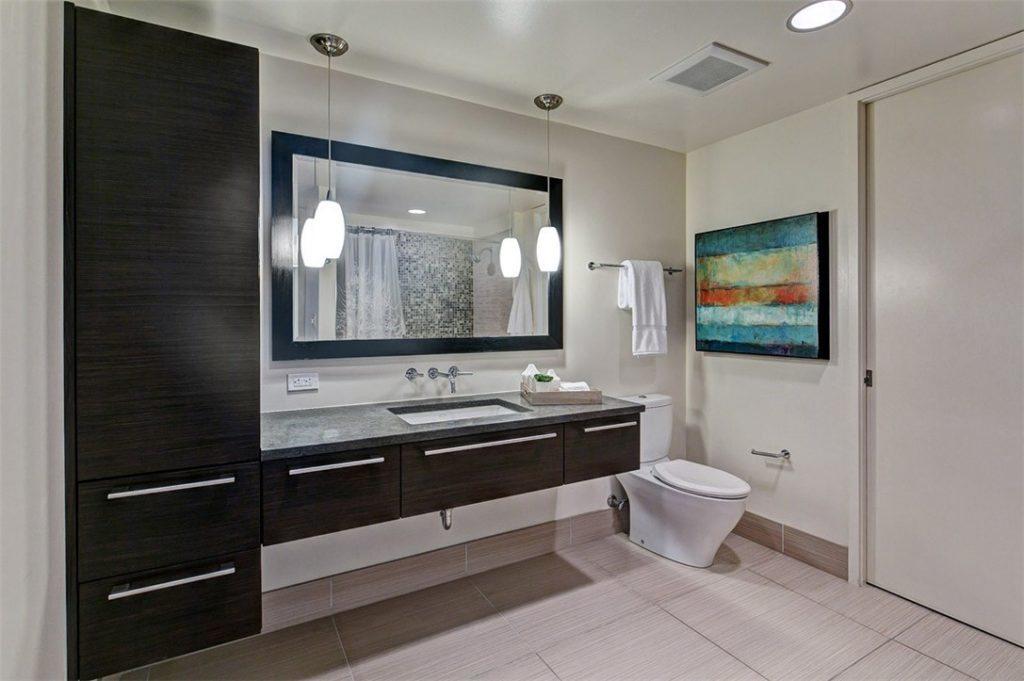 820 Blanchard St unit 503 - bath