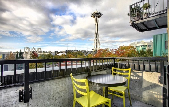 Soak Up the Space Needle at Mosler Lofts