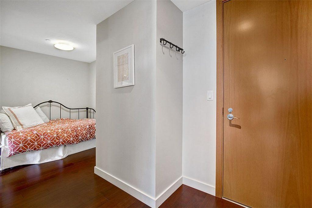 909 5th Ave unit 1803 - alcove