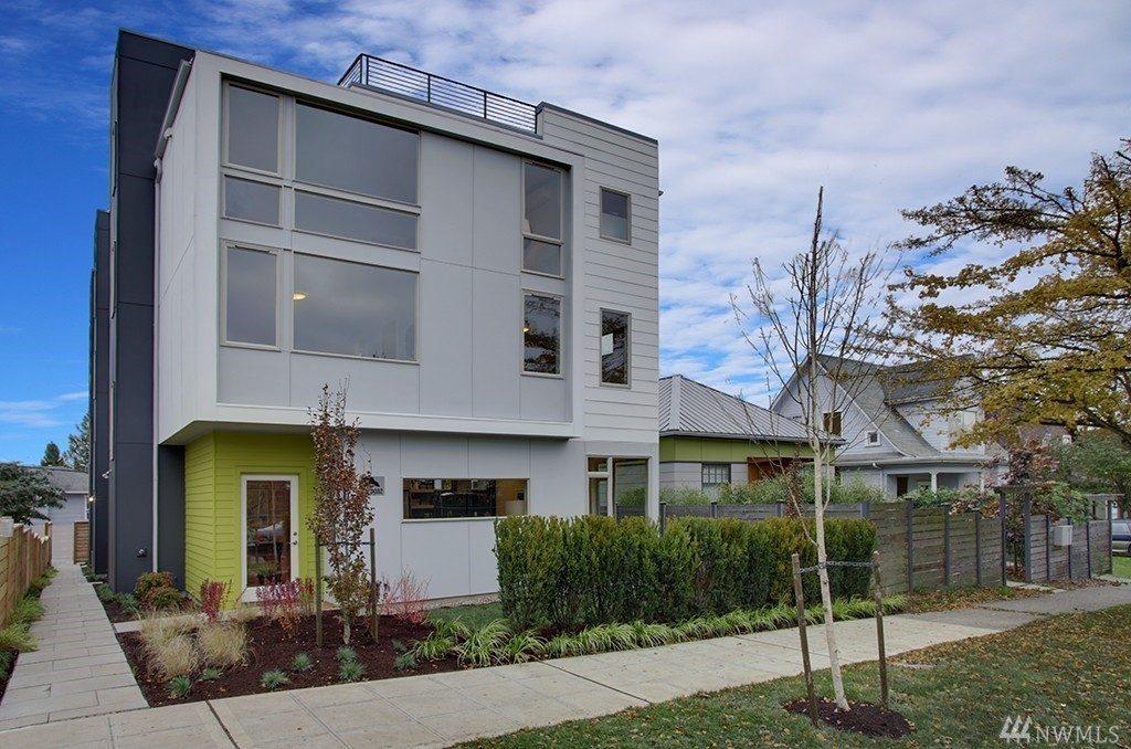 4032 Linden Ave N - facede