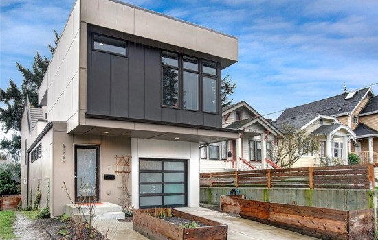 Brand New in Green Lake