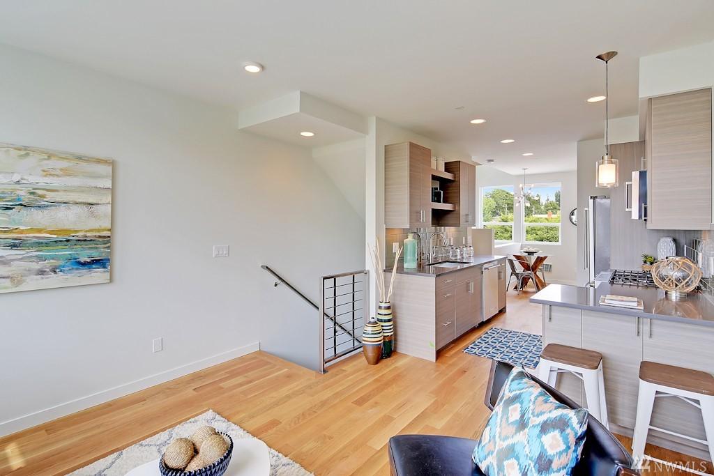 6 Live Work Townhomes In Ballard Urban Living
